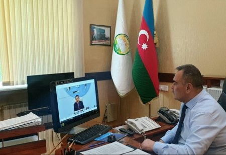ADAU rektoru erməni terroru barədə həmkarlarını məlumatlandırır