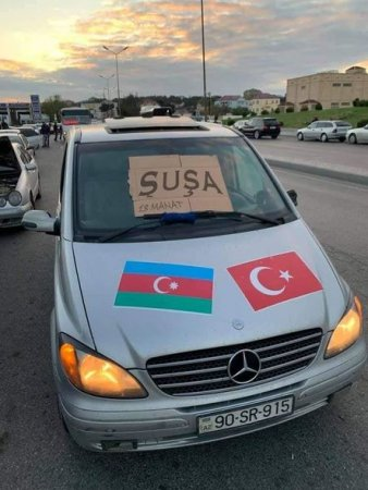 Avtovağzal taksi sürücülərindən maraqlı aksiya - FOTO