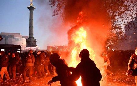 Parisdə kütləvi etiraz aksiyası-Fotolar+Video