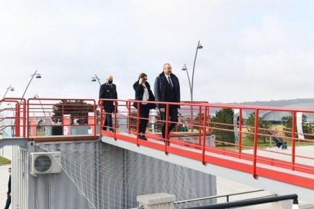 İlham Əliyev və Mehriban Əliyeva Bakıda yaradılan tanker-muzeyinin açılışında - YENİLƏNİB + FOTO/VİDEO