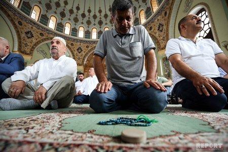 Məscidlərdə bayram namazlarına icazə verilə bilər - AÇIQLAMA