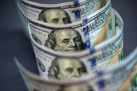 Əhalidə dollara maraq yaradan banklar... - Mərkəzi Bankın qeyri-rəsmi göstərişi, yoxsa şəxsi təşəbbüs?