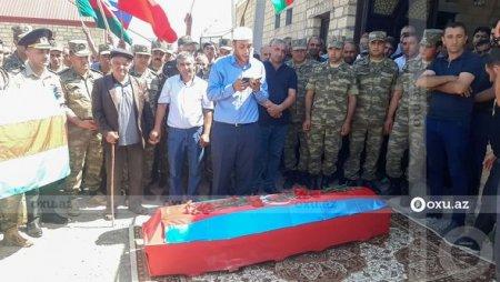 Azərbaycan ordusunun göldə boğulan kapitanı ilə vida mərasimi keçirilir - FOTO