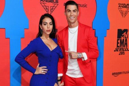 Ronaldonun sevgili ilə bağlı sənədli film çəkilir
