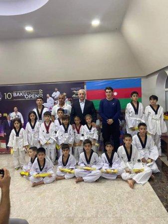 Karate və Taekwondo idman növündən yüksək nəticə əldə etmiş azyaşlı idmançılarla görüş keçirildi