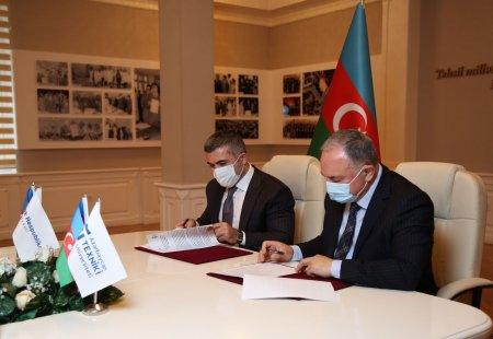 """AzTU ilə """"Bank Respublika"""" ASC arasında əməkdaşlıq memorandumu imzalanıb"""