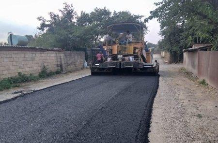 Masallı rayonunun Böyük Kolatan kəndində asfaltlama işləri davam edir